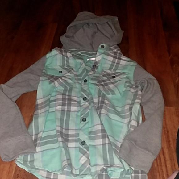 6906a0af2c11 green soda Shirts   Tops